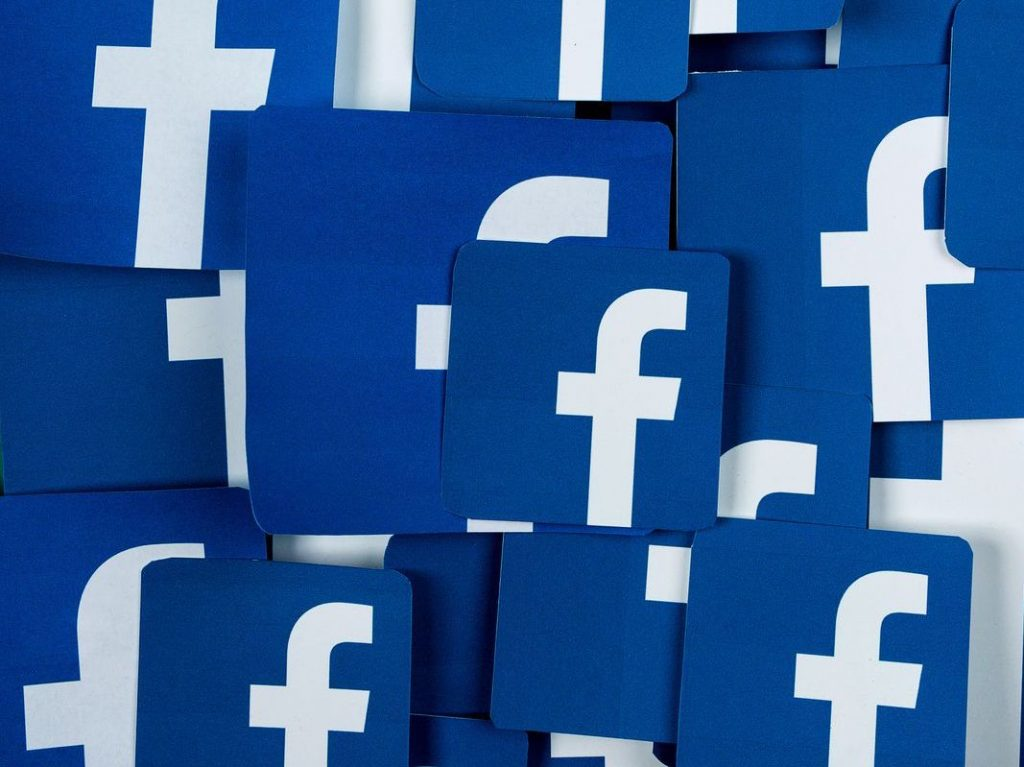 Learn if it is possible to find a Facebook user by phone number